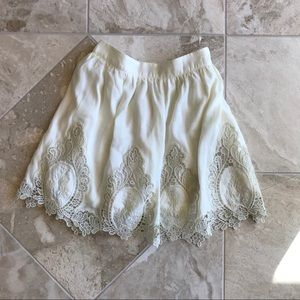 New Tobi lace white skirt M